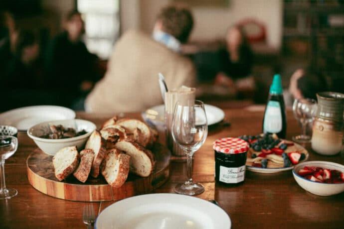 Repas du terroir France Pain Vin Confiture