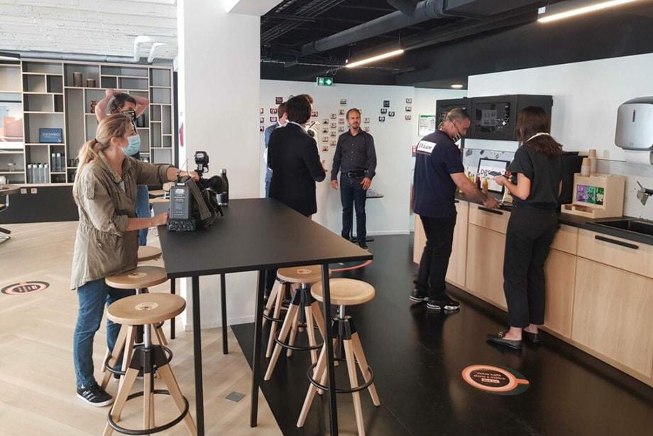 showroom braam présentant un espace de convivialité covid friendy