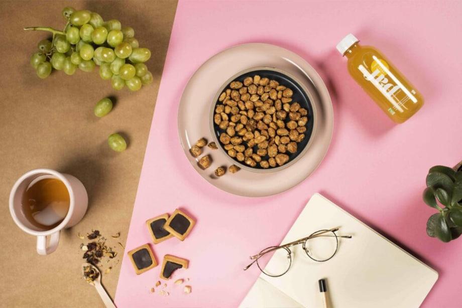 Des snacks, des fruits et des boissons braam